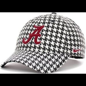 Nike Alabama Houndstooth Baseball Hat